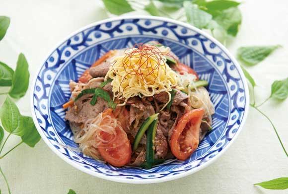 牛肉とトマトのスタミナチャプチェ