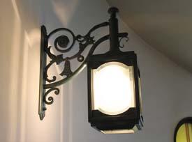 レトロな雰囲気の照明